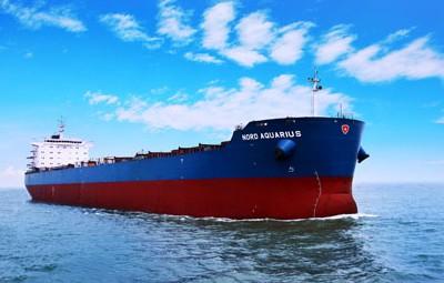 82000载重吨散货船